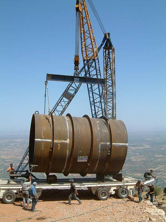 Remorque de manutention pour le transport d'équipements sur chantier
